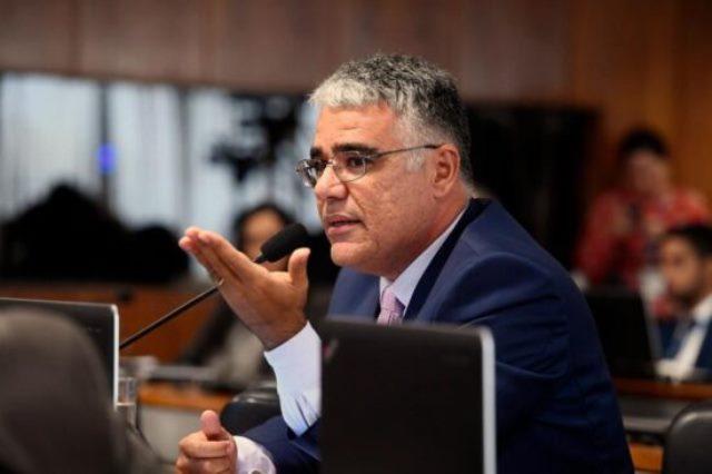 'Se sociedade não reagir, a CPI blindará governadores e prefeitos', diz senador