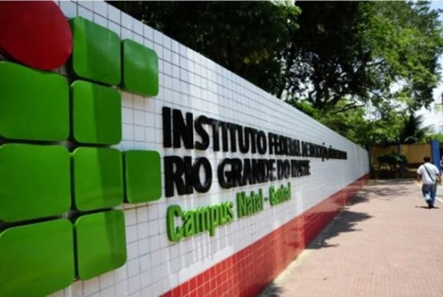 IFRN anuncia processo seletivo para docentes com remuneração de até R$ 5.831,21