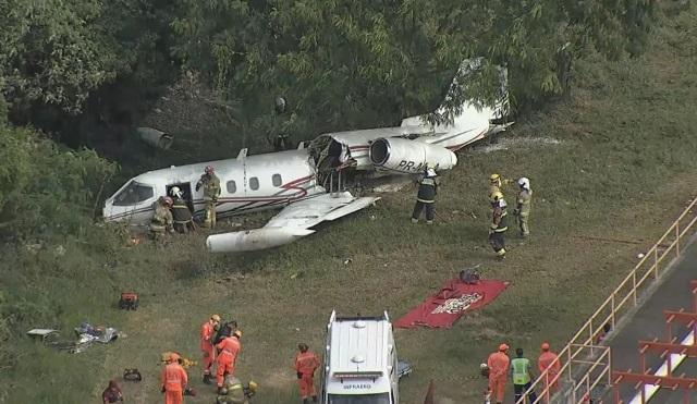Copiloto morre e outros dois ficam feridos em acidente com jatinho no aeroporto da Pampulha