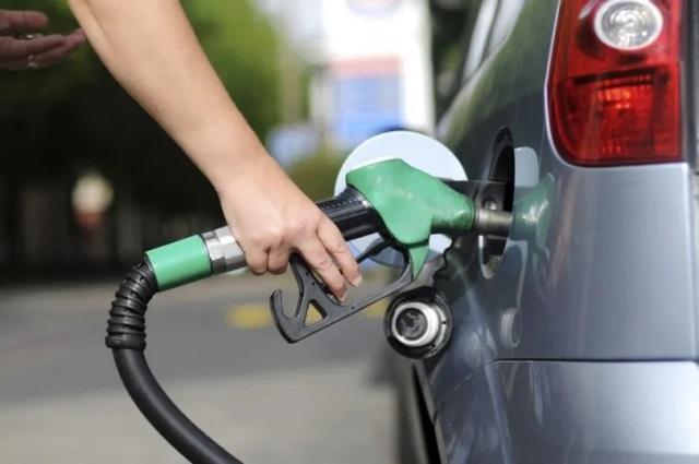 Procon constata aumentos, mas diz que 43,21% dos postos vendem gasolina abaixo do preço médio em Natal
