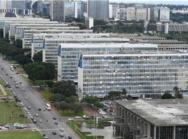 Governo Bolsonaro anuncia desbloqueio de R$ 4,5 bilhões em verbas de ministérios