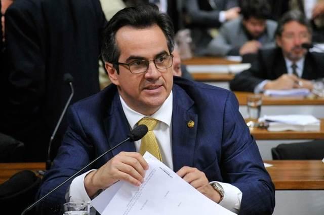 Bolsonaro confirma convite a Ciro Nogueira e diz que intenção é 'diálogo melhor' com Congresso