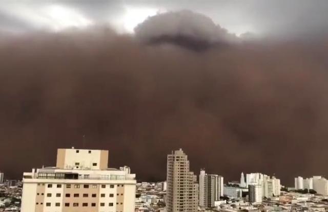 Vídeo: Nuvem de poeira assusta moradores de Franca, no interior de São Paulo