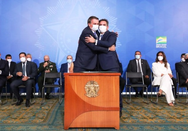 Progressistas é o partido favorito para receber Bolsonaro, diz Ciro Nogueira
