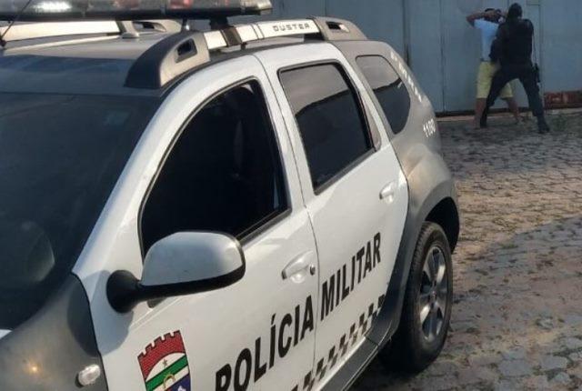 PM prende um dos líderes do tráfico de drogas da Vila de Ponta Negra