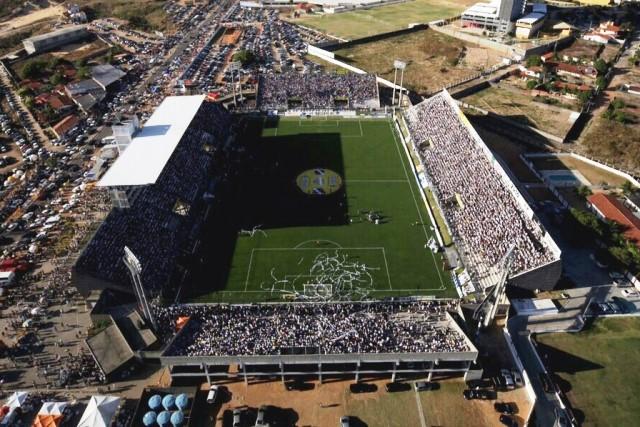 Natal amplia para 50% limite de ocupação de estádios de futebol