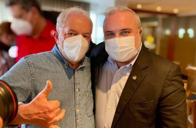 Mineiro ignora Garibaldi e faz postagem em apoio a reeleição de Jean Paul para o Senado