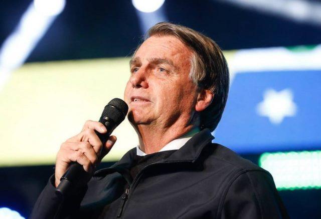 Bolsonaro ironiza possível indiciamento pela CPI e chama Renan Calheiros de 'bandido'